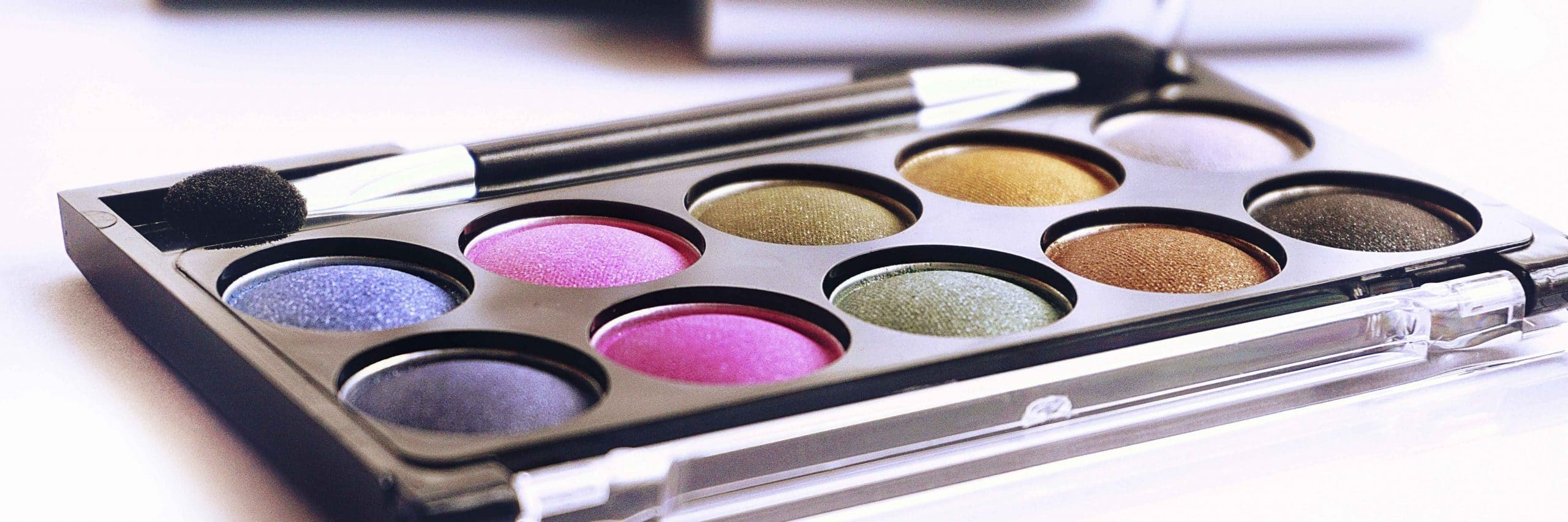 situations vacant -hair & makeup artist palettes